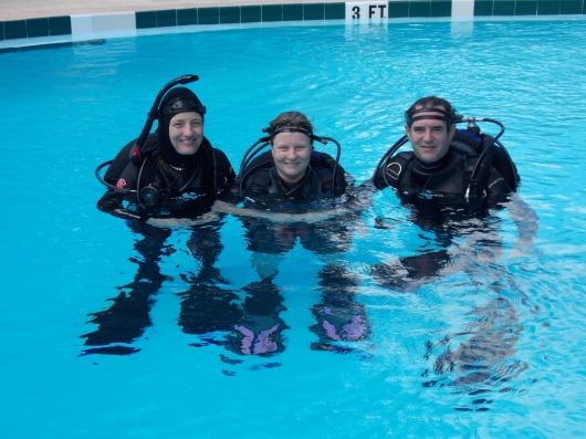 020 H&R-scuba-class-Howard-Nicki-Beverly-2013-09-29