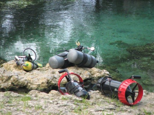 little-river-springs-cave-diving-tanks-&-scooters