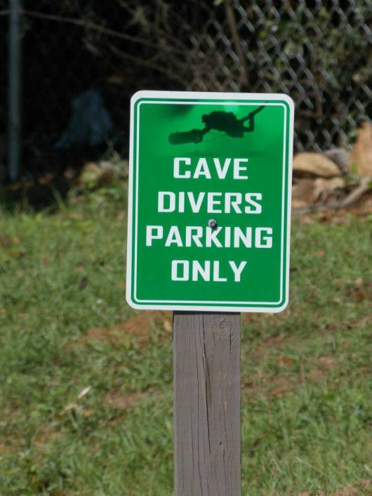 sign-cave-divers-parking-only-